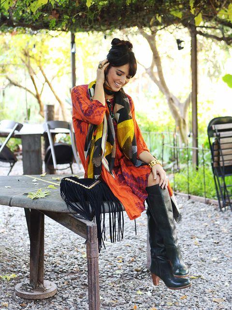 Textile, Bag, Street fashion, Fashion accessory, Luggage and bags, Shoulder bag, Costume, Fashion design, Handbag, Shawl,