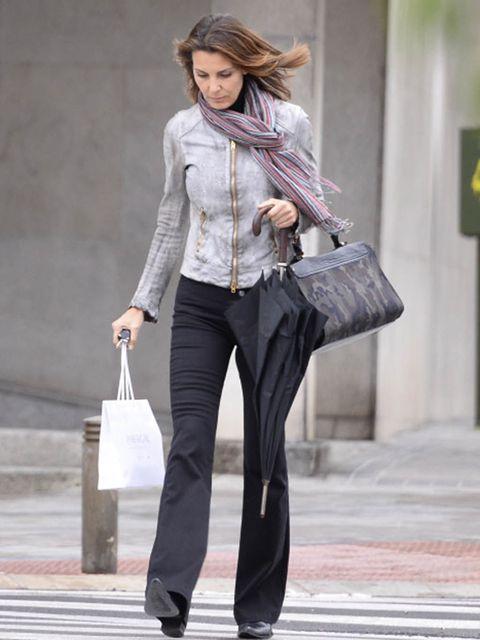 Clothing, Sleeve, Collar, Textile, Bag, Outerwear, Style, Street fashion, Blazer, Fashion,
