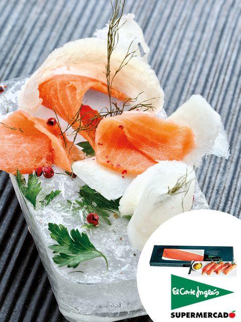 Orange, Garnish, Cuisine, Flowering plant, Cut flowers, Recipe, Peach, Dish, Salmon, Culinary art,