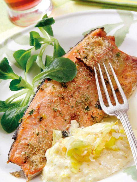 Food, Cuisine, Tableware, Dishware, Ingredient, Drink, Dish, Alcoholic beverage, Recipe, Garnish,