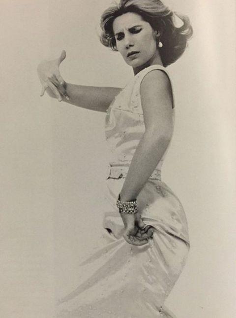 White, Elbow, Wrist, Vintage clothing, Waist, Monochrome, Day dress, Retro style, Portrait, Photo shoot,
