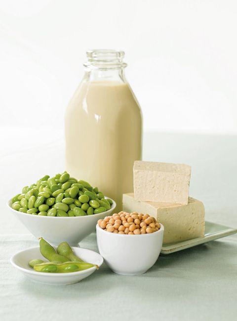 Food, Dishware, Serveware, Ingredient, Bottle, Produce, Tableware, Drinkware, Mason jar, Bowl,