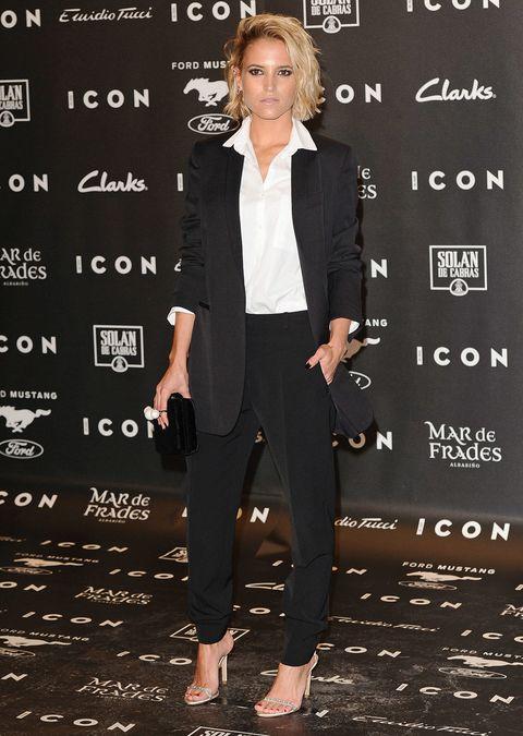 Sleeve, Collar, Outerwear, Formal wear, Style, Coat, Blazer, Fashion, Fashion model, Suit trousers,
