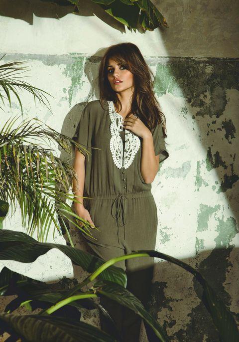 Green, Long hair, Fashion model, Flash photography, Model, Day dress, Photo shoot, Vintage clothing, One-piece garment, Cg artwork,
