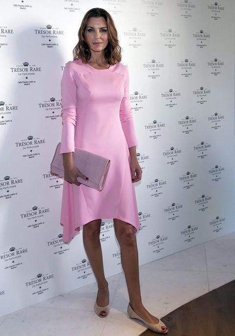 Sleeve, Shoulder, Dress, Joint, Pink, One-piece garment, Style, Waist, Fashion model, Magenta,