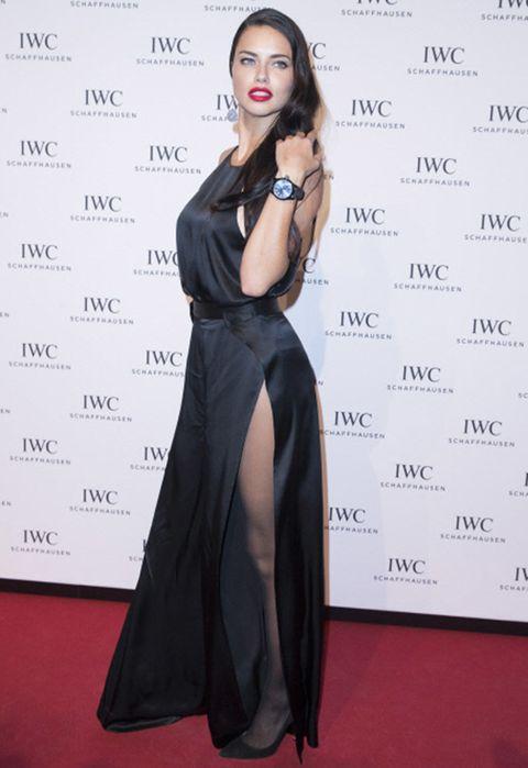 Dress, Shoulder, Flooring, Style, Formal wear, Fashion model, Jewellery, Fashion, Carpet, Day dress,