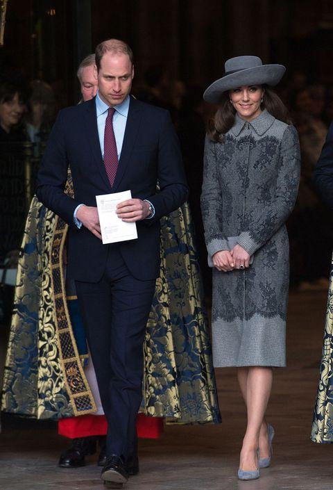 Coat, Trousers, Shoe, Shirt, Collar, Outerwear, Formal wear, Hat, Style, Suit trousers,