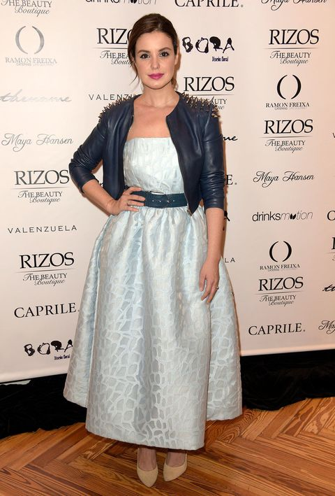 Clothing, Sleeve, Shoulder, Dress, Flooring, Style, Formal wear, Floor, Eyelash, One-piece garment,