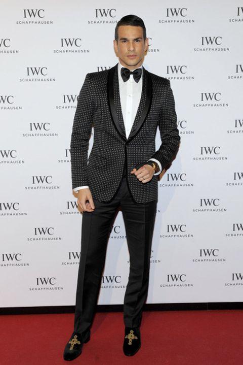 Clothing, Coat, Dress shirt, Collar, Sleeve, Trousers, Shirt, Suit, Suit trousers, Shoe,