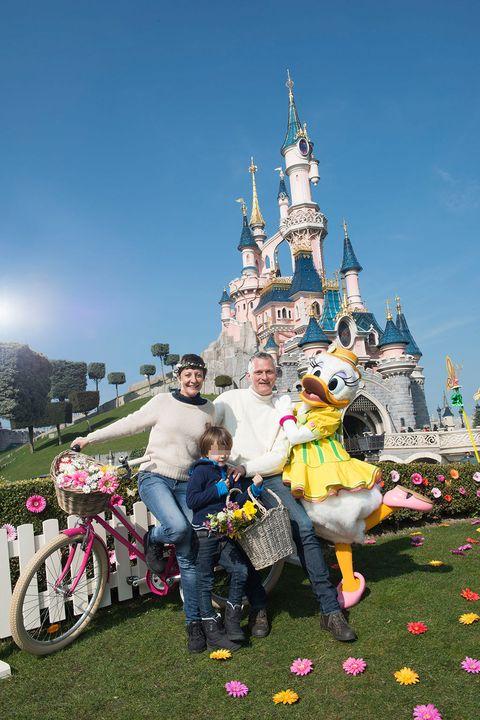 Walt disney world, Bicycle tire, Tourism, Bicycle wheel, World, Spire, Auto part, Toy, Amusement park, Turret,