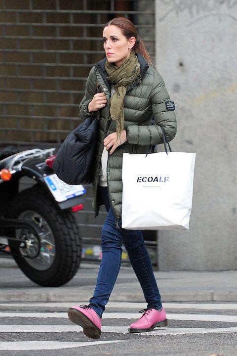 Clothing, Footwear, Leg, Trousers, Coat, Textile, Shoe, Outerwear, Bag, Jacket,
