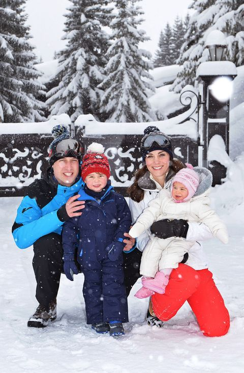 Winter, Human, Fun, Freezing, Snow, Playing in the snow, Jacket, People in nature, Baby & toddler clothing, Toddler,
