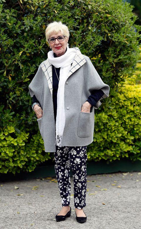 Textile, Outerwear, Style, Street fashion, Fur, Shrub, Overcoat, Cardigan, Slipper, Scarf,