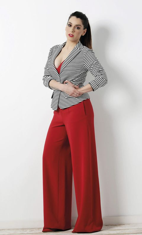 Sleeve, Collar, Human body, Shoulder, Standing, Joint, Waist, Red, Elbow, Style,