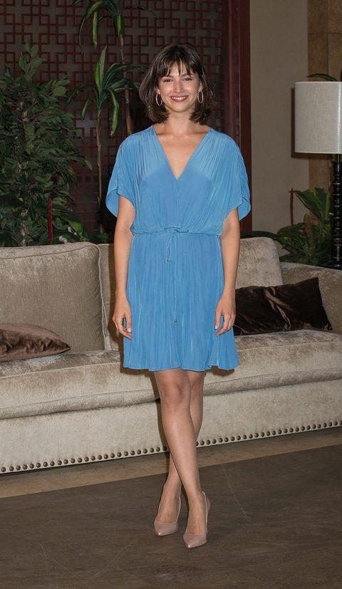 Clothing, Leg, Dress, Sleeve, Human leg, Shoulder, Joint, One-piece garment, Day dress, Electric blue,