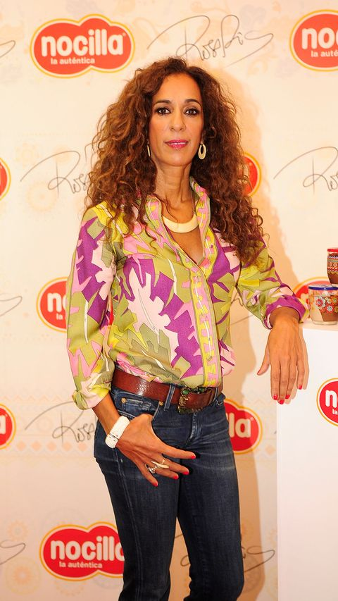 Denim, Jeans, Fashion accessory, Style, Jewellery, Magenta, Logo, Fashion, Ringlet, Fashion model,