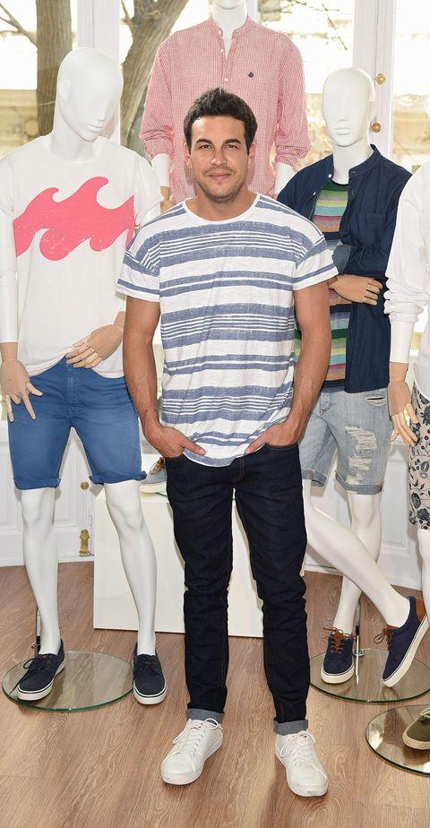 Clothing, Footwear, Leg, Trousers, Shoe, Denim, T-shirt, Style, Fashion, Cool,