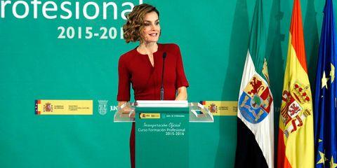 Microphone, Podium, Public speaking, Lectern, Flag, Government, Speech, Spokesperson, Orator, Employment,