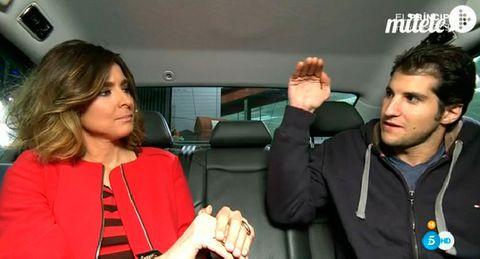 Nose, Eyebrow, Head restraint, Sharing, Car seat, Service, Jacket, Luxury vehicle, Gesture, Thumb,