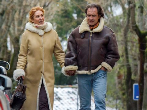 Winter, Human body, Trousers, Jacket, Textile, Outerwear, Standing, Coat, People in nature, Denim,