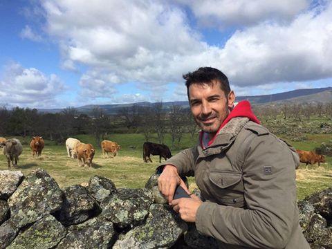 Human, Cloud, Mammal, Highland, Pasture, Rural area, Grassland, Bovine, Farm, Ranch,
