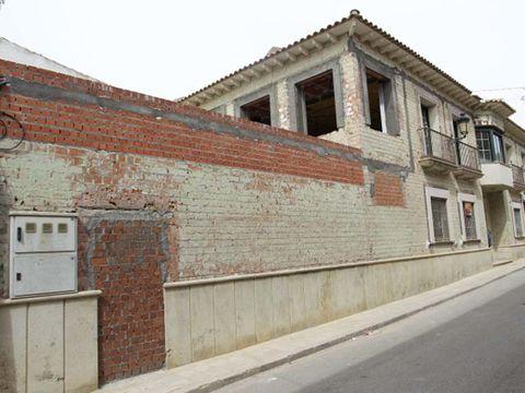Brick, Property, Wall, Road surface, Asphalt, Brickwork, Real estate, Curb, Concrete, Sidewalk,