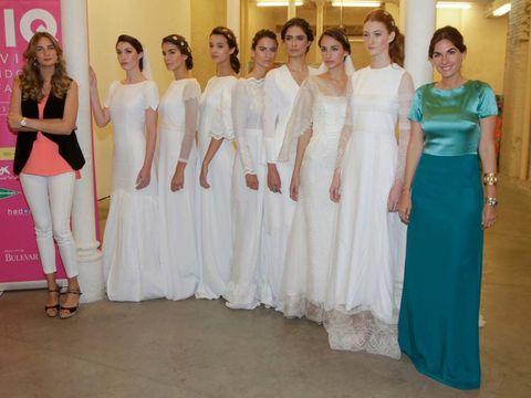 Shoulder, Textile, Pink, Formal wear, Waist, Beauty, Gown, Fashion, Teal, Aqua,