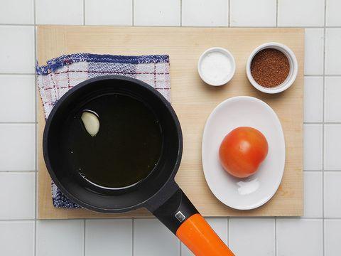 Ingredient, Dishware, Orange, Serveware, Bowl, Cookware and bakeware, Tile, Frying pan, Spice, Tomato,