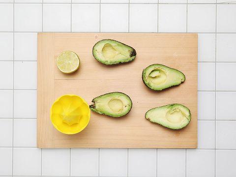 Food, Dishware, Produce, Plate, Tableware, Cutting board, Fruit, Lemon, Serveware, Flowering plant,