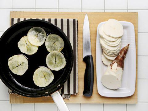Wood, Food, Dishware, Ingredient, Cuisine, Tableware, Plate, Dish, Kitchen utensil, Recipe,