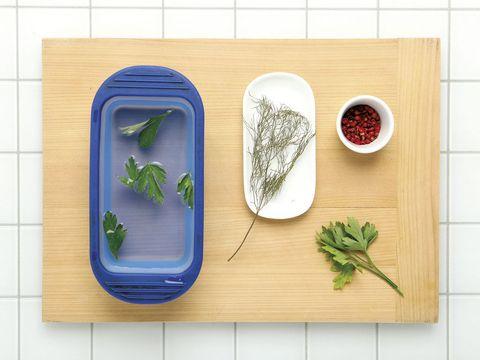 Ingredient, Leaf, Herb, Fines herbes, Leaf vegetable, Produce, Parsley family, Herbal, Bowl, Parsley,