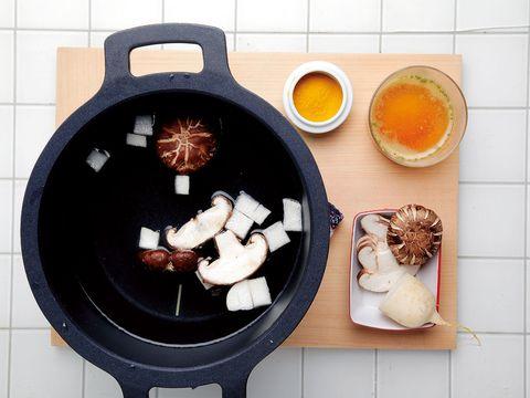 Serveware, Cuisine, Food, Ingredient, Dishware, Dish, Meal, Tableware, Breakfast, Cooking,