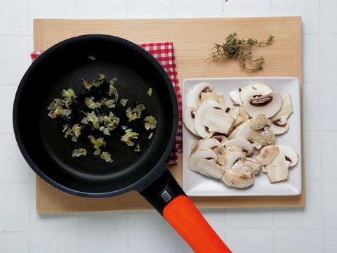 Cookware and bakeware, Ingredient, Recipe, Cooking, Frying pan, Sauté pan, Oil, Herb, Kitchen utensil, Saucepan,