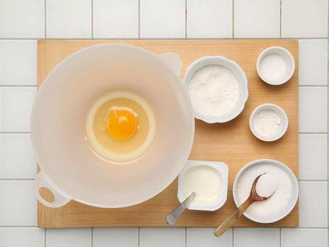 Serveware, Egg yolk, Dishware, Egg white, Orange, Kitchen utensil, Breakfast, Circle, Egg, Cutlery,