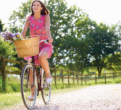 Tire, Wheel, Bicycle wheel, Bicycle tire, Bicycle wheel rim, Shoe, Bicycle accessory, Dress, Bicycle, Bicycle frame,