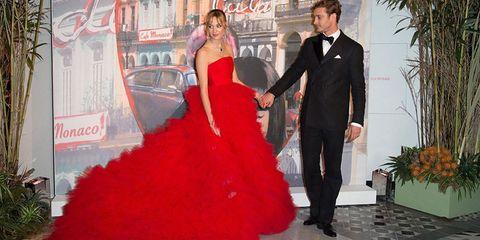 Trousers, Dress, Red, Coat, Outerwear, Formal wear, Suit, Flowerpot, Gown, Fashion,