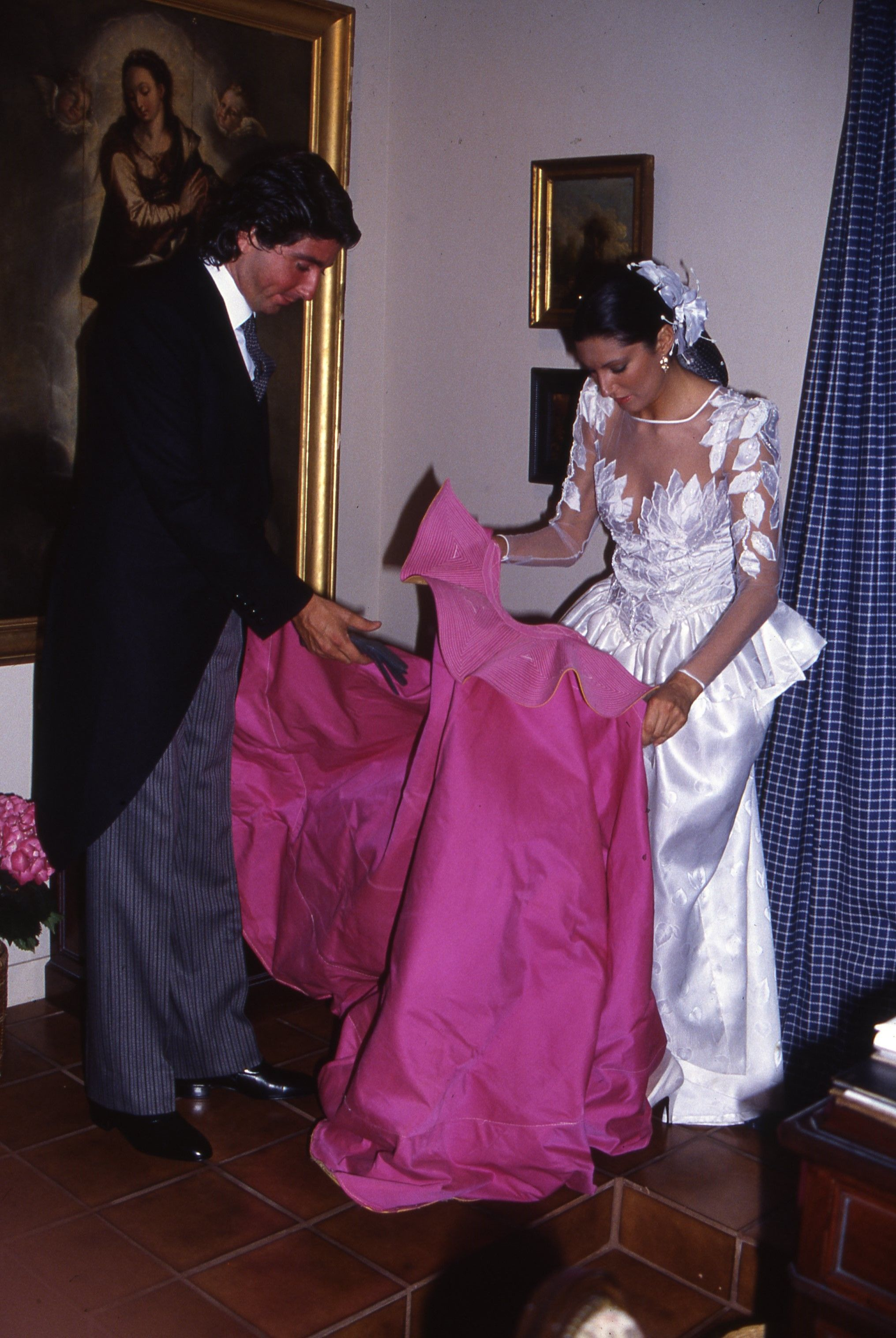 Desarchivamos las bodas de ayer: Carmina Ordóñez y sus tres maridos