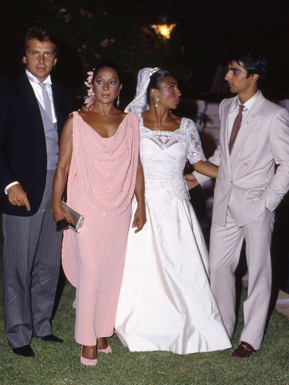 Desarchivamos las bodas de ayer: Lolita y Guillermo Furiase