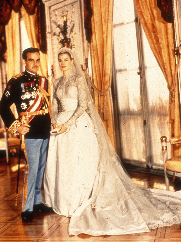c279e9e8e Desarchivamos las bodas de ayer  De Grace Kelly a Carolina de Mónaco