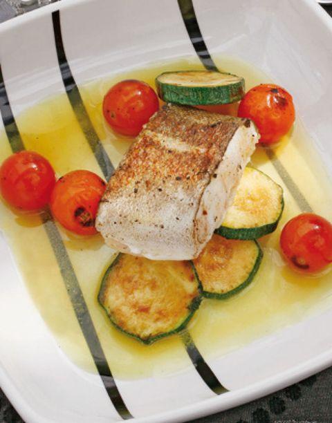 Food, Produce, Dishware, Tableware, Cuisine, Serveware, Vegetable, Ingredient, Tomato, Plate,