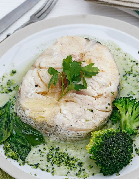 Food, Ingredient, Cuisine, Leaf vegetable, Dishware, Dish, Broccoli, Fines herbes, Produce, Recipe,