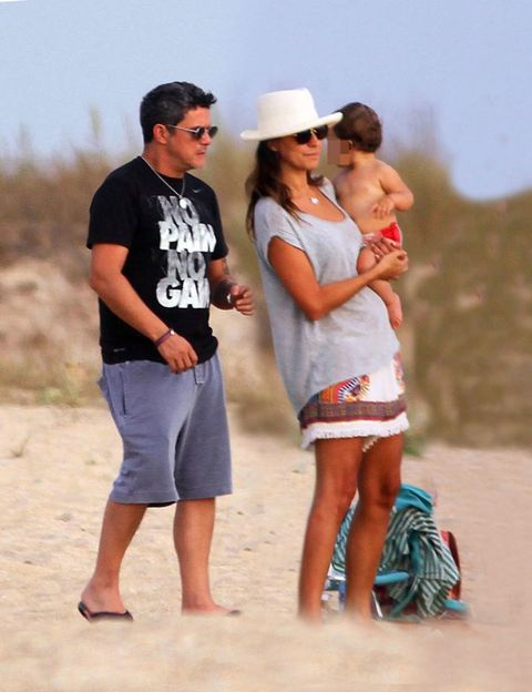 Fun, People on beach, Hat, People in nature, Summer, Sand, Shorts, Interaction, Vacation, Tourism,