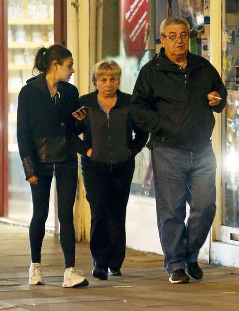 Trousers, Jacket, Shirt, Denim, Standing, Outerwear, Jeans, T-shirt, Street fashion, Conversation,