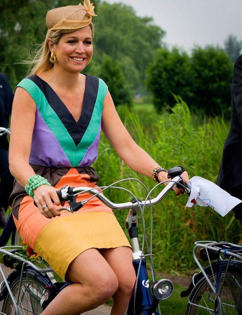 Bicycle handlebar, Bicycle tire, Bicycle wheel rim, Bicycle frame, Bicycle, Bicycle accessory, Bicycle wheel, Bicycle part, Bicycle stem, Bicycle fork,