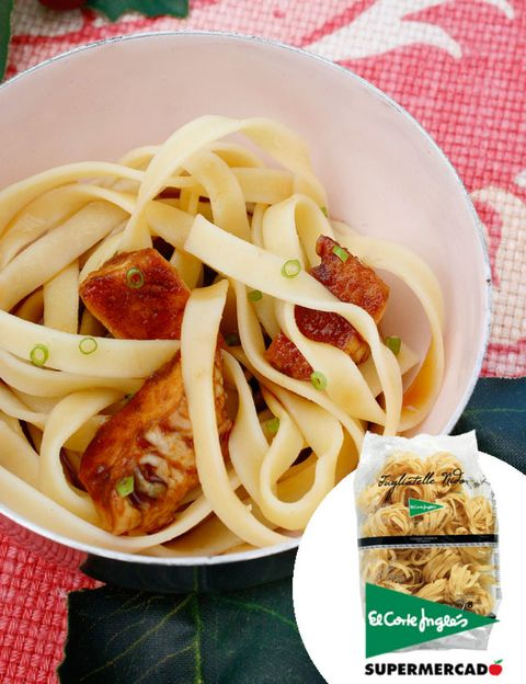Food, Cuisine, Pasta, Noodle, Dish, Tableware, Ingredient, Spaghetti, Chinese noodles, Recipe,