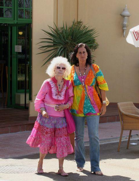 Clothing, Trousers, Jeans, Textile, Pink, Magenta, Denim, Street fashion, Bag, Waist,