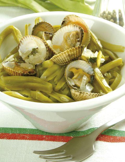 Food, Ingredient, Cuisine, Recipe, Dishware, Staple food, Produce, Dish, Serveware, Bowl,