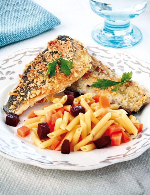 Food, Cuisine, Tableware, Dish, Serveware, Dishware, Plate, Ingredient, Meal, Glass,