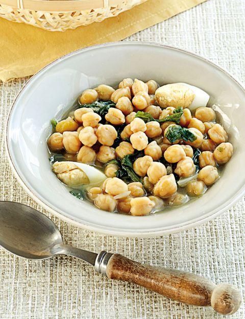 Food, Ingredient, Serveware, Produce, Dishware, Chickpea, Dish, Flowering plant, Beige, Cuisine,