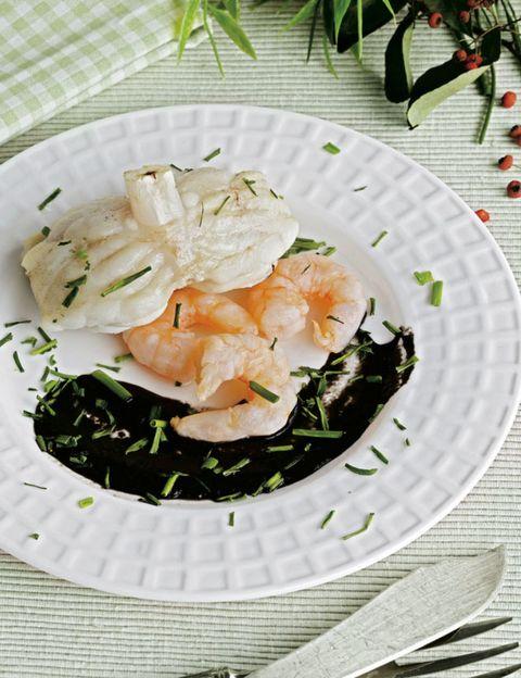 Cuisine, Food, Dishware, Ingredient, Dish, Recipe, Leaf vegetable, Garnish, Produce, Fines herbes,